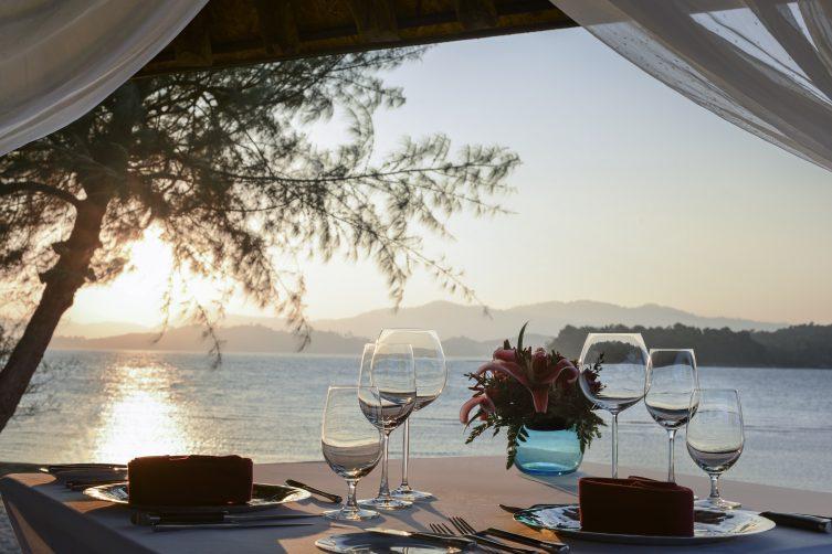 03The Naka Island_Private dining sala_Sunset
